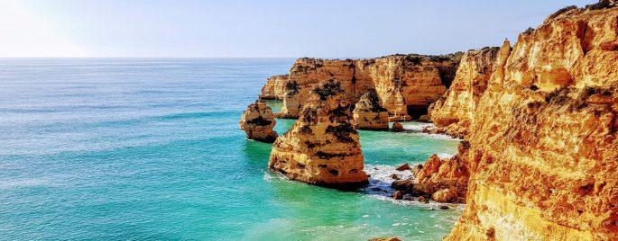 Onnistunut perheloma Algarvessa Praia de Marinha
