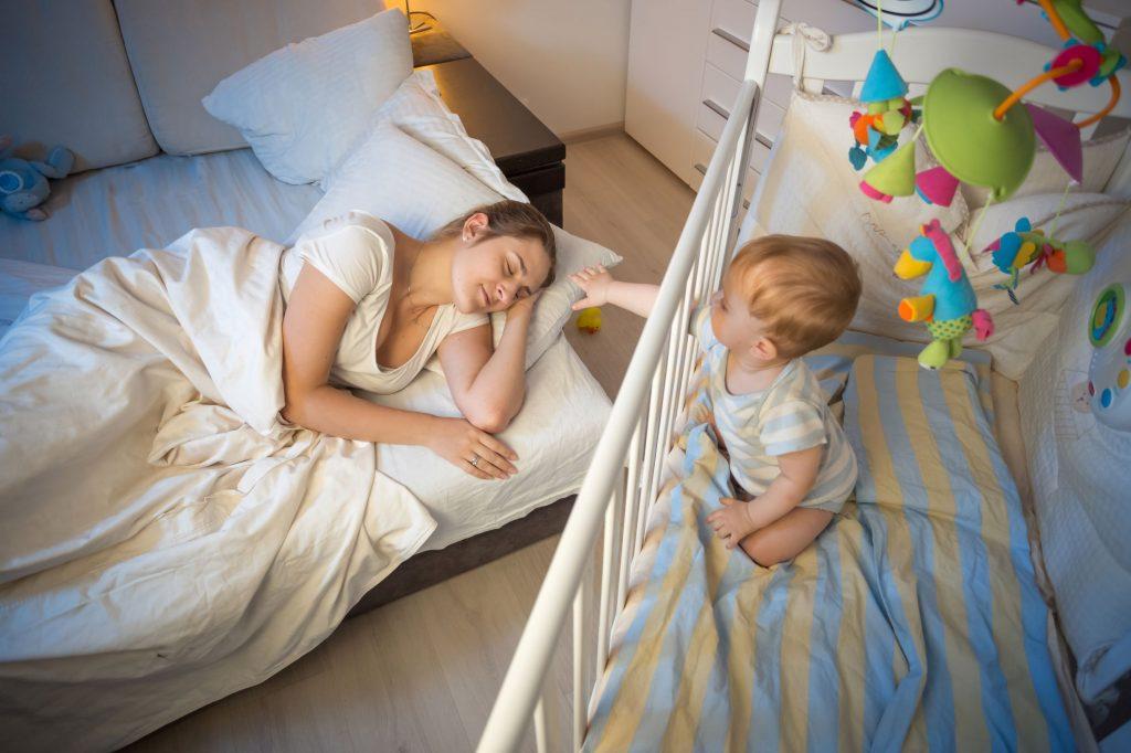 Äitiys: Vauvavuoden tabuja Univelkka